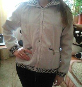 Новая демисезон.куртка M