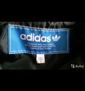 Фирменная куртка адидас xs