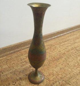 Декоративная оригинальная ваза