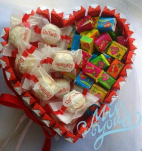 """Торт из конфет """"Сердце"""""""
