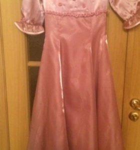Нарядное платье на девочку 8-10 лет