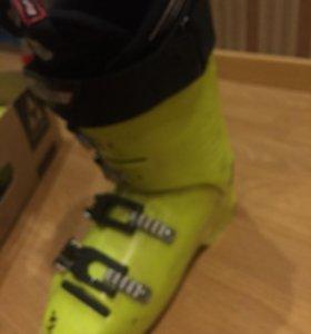 Горнолыжные ботинки 25,5
