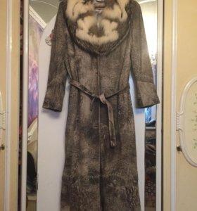 Пальто зимнее из нубука. С мех.воротником. 52-54.