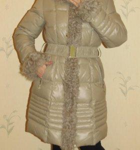 Пуховик зимний с мехом каракуля