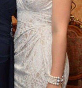 Платье футляр , бежевое кружевное