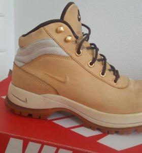 Ботинки Nike зимние