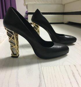 Туфли Loribly