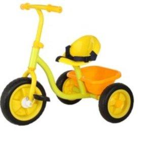 Трехколесный велосипед б/у