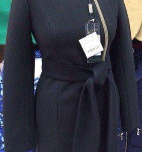 Распродаю новые осенние женские пальто