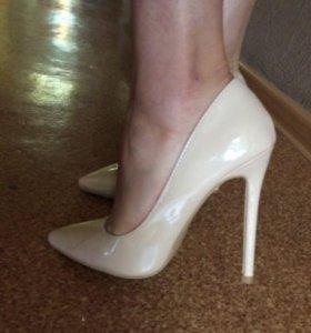 Туфли на каблуке (лодочки)