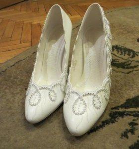 Белые туфли louisa peeress новые