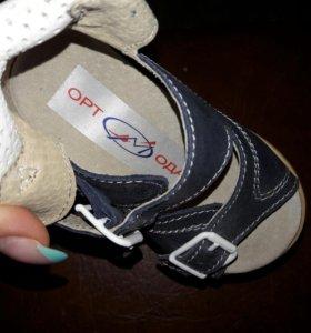 Ортопедические детские сандалики
