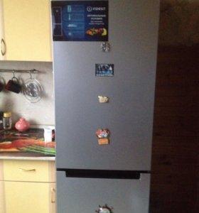 Холодильник (indesit) DFE 4200 S