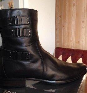 Ботинки зимние кожаные на цигейке.