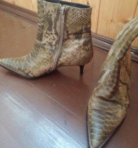 Осенние ботинки 37 размера