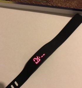 Часы браслет silik