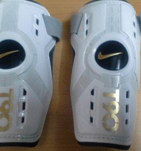 Щитки футбольные Nike T90