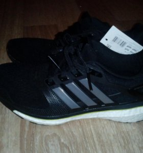 Кросовки Adidas  р.41,5 vietnam новые