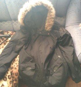 Зимняя куртка Quiksilver.