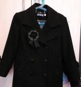 Пальто демисезонное б/у размер 122-128