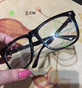Очки с обычными стёклами