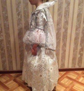 Маскарадный костюм(детский)снежная королева,зима