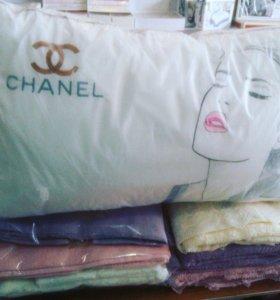 Подушки , постель
