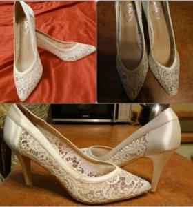 Кружевные туфли, новые