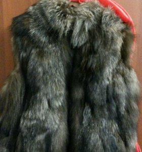Меховая жилетка (чернобурка )