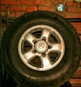 Michelin 275/70 R16