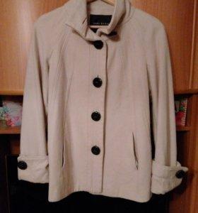 Пальто Zara 44 р
