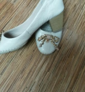 Туфли  . Италия