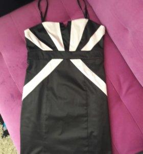 Коктейльное платье на сьемных бретелях