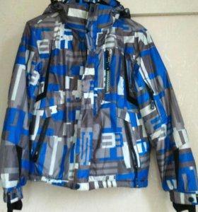 Куртка утепленная для мальчика размер указан 38(S)