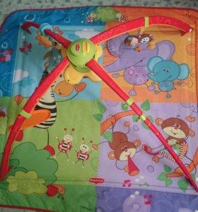 Детский коврик с игрушками