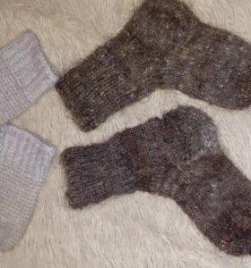 Варежки и носки вязаные