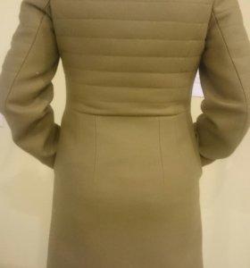 Пальто Decca,утепленное размер 46