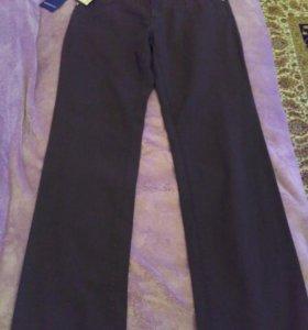 Абсолютно новые джинсы Trussardi