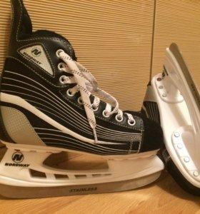 Коньки хоккейные , размер 37