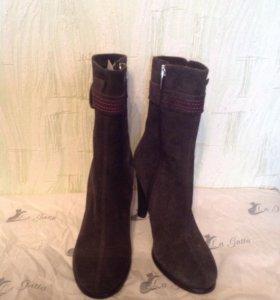 Новые женские зимние ботиночки