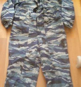 Продам  комуфлированный комплект одежды брюки и ку