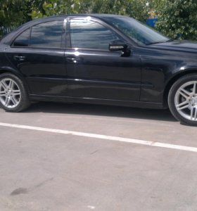 Мерседес Е200 диз. 211 2009г