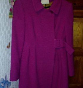 Пальто весенне-осеннее новое