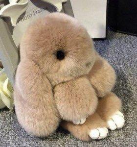 Брелок кролик меховой