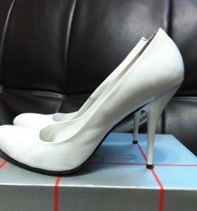 Туфли 38-39 размера