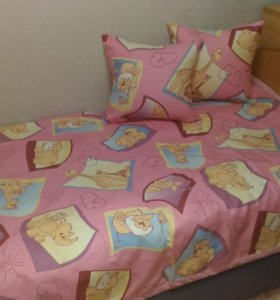 Новое покрывало и две наволочки на подушки