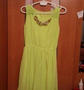 Платье салатового цвета