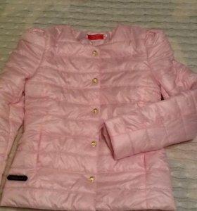 В наличии курточка новая