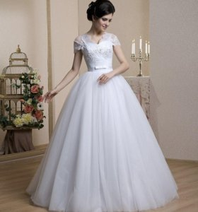 Белое свадебное платье + подарок