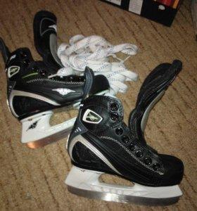 детские профессиональные  хоккейные коньки